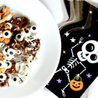 Halloween Monster Pretzels Tutorial